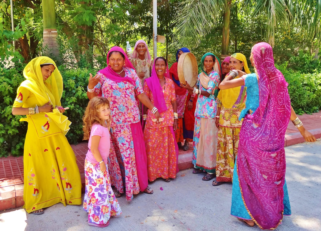 colorful women in india